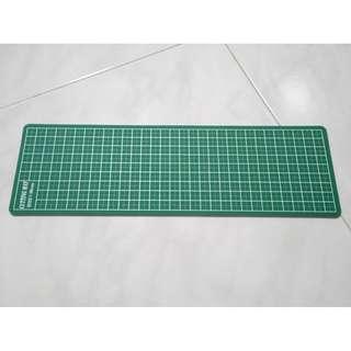Cutting mat - approx. 32cm x 10cm