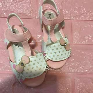 Instock hello kitty Sandals Brand New Size 24