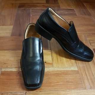 Florsheim black shoes