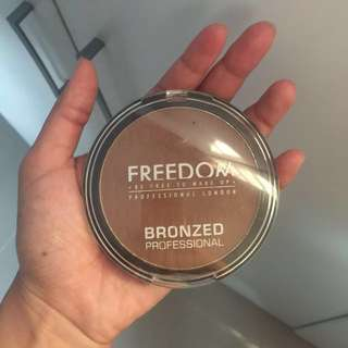 Freedom Makeup London Bronzed Profesional