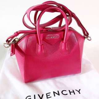 GIVENCHY ANTIGONA (SALE) authentic from store!