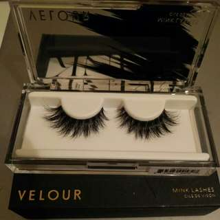 Velour Lashes - Flash it