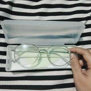 Frame Kacamata Linda Farrow (normal)