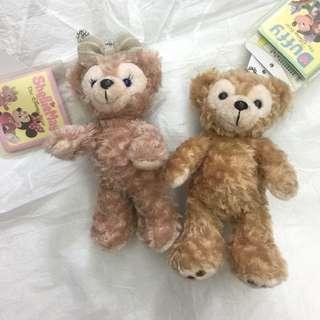 🚚 日本🇯🇵正版迪士尼 達菲熊 雪莉 情人款 Duffy 全新 現貨 別針鑰匙圈吊飾/單隻400