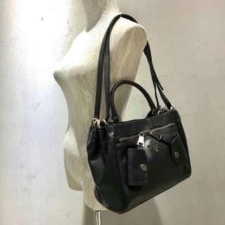 PRADA Handbag (FREE POSTAGE)
