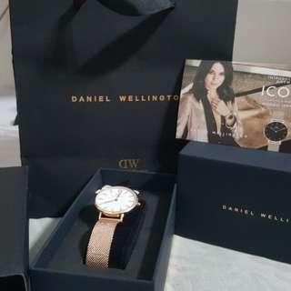 Jam tangan wanita DW ( Daniel wellington) petite