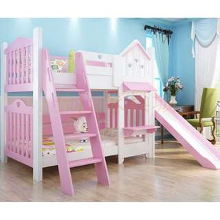 Bunkbed with slides
