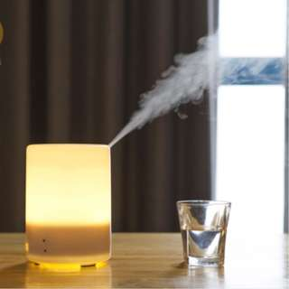 300ML BRAND NEW AIR MIST DIFFUSER. 7 LED Lights. Home Air Freshener and Cleaner. Aroma Diffuser and Humifier. Free Essential Oil. Compatible with vacuum