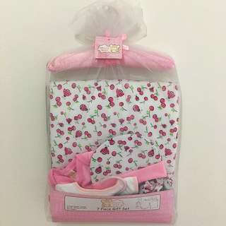 Snuggly Baby 7 Pieces Baby Gift Set (Pink Color Suitable For Baby Girl)