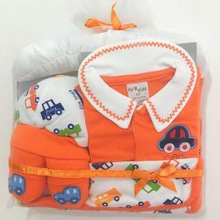 Retail $29.90 Similar Set! Fang Kids 5 Pieces Newborn Baby Gift Set (For 0-3 Months Baby)