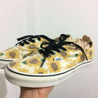 Sunflower shoes 23.5cm can fit 6-7