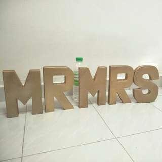 Mr Mrs wedding deco