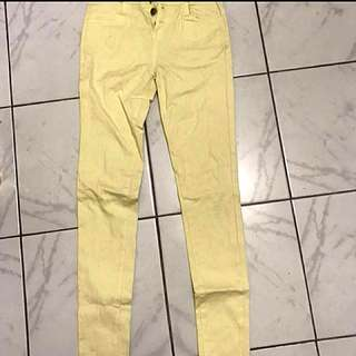 Jeans yellow