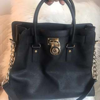 Michael Kors Hamilton Satchel Large (N/S) in Black saffiano