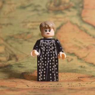 Cersei Lannister  Game of Thrones Lego Like Blocks