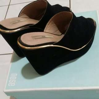 NOSE WEDGE SHOES