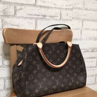 LV Montaigne Gred Bag
