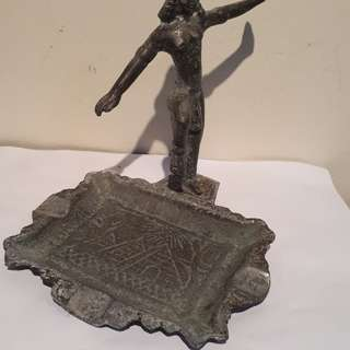antique real of eygpt 1920s /Egyptian toples dancer ashtray brass bronze no dealer's pls