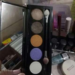Shawill eyeshadow palettes