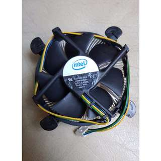 Sell used but still working good Intel E5700 Processor with Intel Stock HSF.