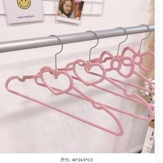 粉紅系列 EVERY LITTLE PINK 心心衣架 蝴蝶衣架