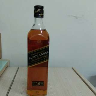 Johnnie Walker Black Label Blended Scotch Whisky aged 12 years 700 ml 黑牌威士忌