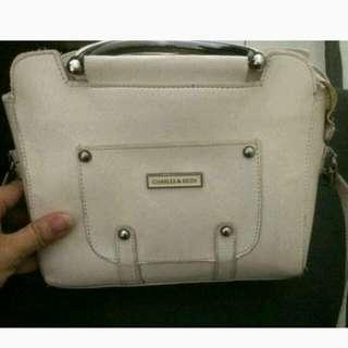 Sling bag putih gading