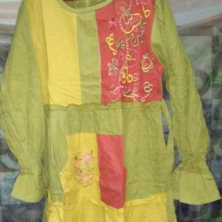 Baju Muslim Annas. Warna Kuning Kombinasi Hijau. Lengkap Dengan Jilbab. Kondisi Bagus. Size 10. Panjang Baju 90cm. Cocok Untuk Anak Usia 8-9thn.