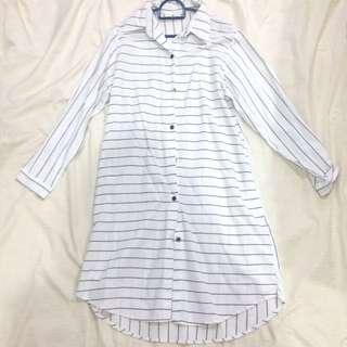White casual/boyfriend dress