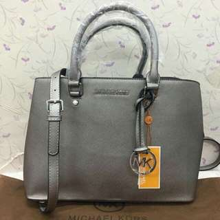 NW- Michael Kors Bag