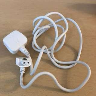 Macbook pro 差電插蘇。原廠跟機