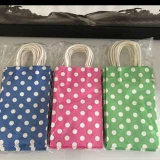 Goodies bag paper carrier