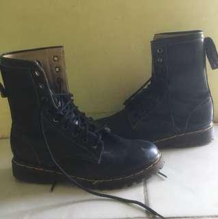 Black boots OOTD