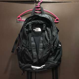 PRE-LOVED AUTHENTIC NORTH FACE BACK PACK