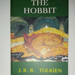 Buku The Hobbit - J. R. R. Tolkien