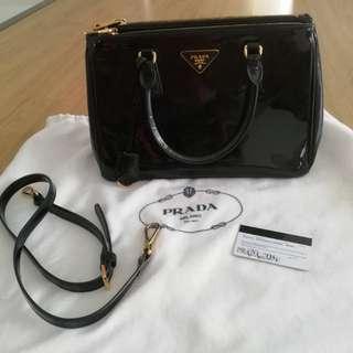 Prada bn2274 patent leather
