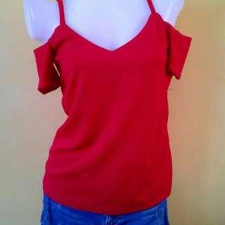 V-chest Farah's top