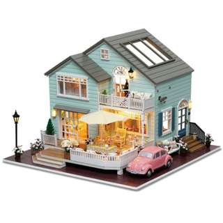 DIY miniature doll house with lights and music - Queenstown