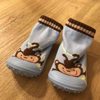 BN Baby boy shoes size 22