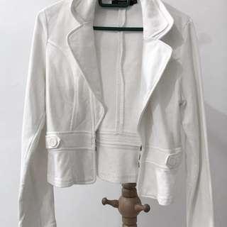 Nichii white outerwear
