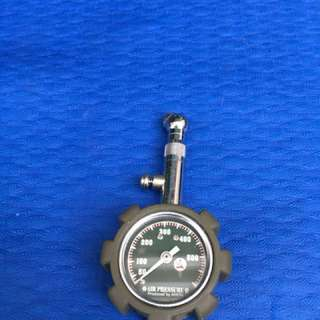 Car / bike tyre pressure gauge