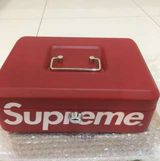Supreme lockbox F/W 17