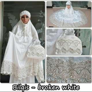 Mukena Velvet Lace Bilqis Broken White