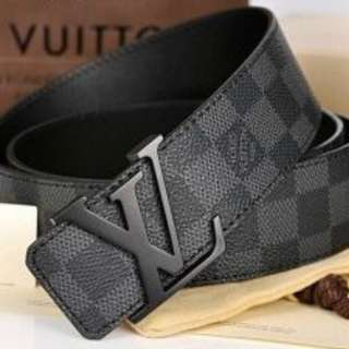 LV men belt