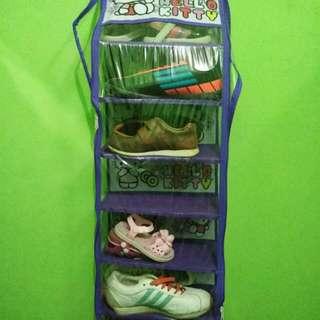 Rak gantung sepatu