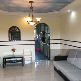 Jurong West Spacious 5rm HDB for sale direct!