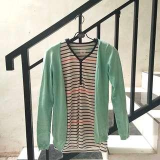 Torquise cardigan bundling stripes blouse