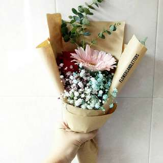 [VDAY] Fresh Flower Bouquet Single stalk of Red Rose, single stalk of Pink gerbera daisy and Mixed Coloured Baby's breath flower bouquet