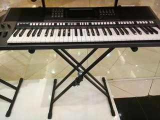 Piano psr 770