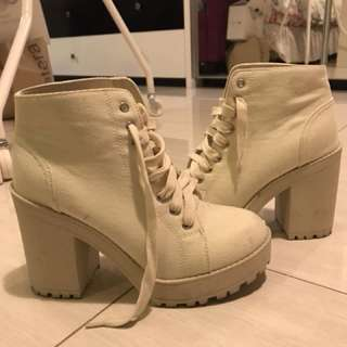 h&m white lace up boots